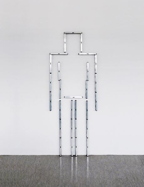 4.Perfektionist, 2011, installation with spirit levels, 200x76x6cmSakir-Gökcebag