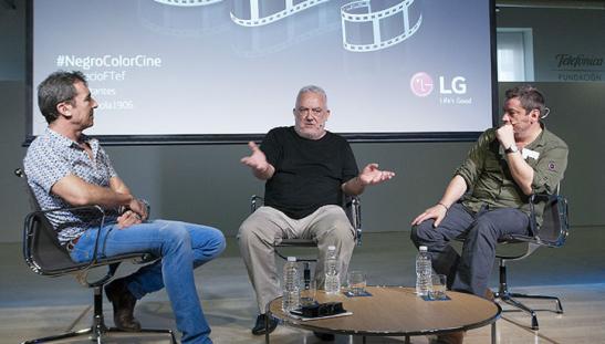 Fotografía de Espacio Fundación Telefónica. Charla 3 sobre el color en el cine. Tabernero, Uribe y Urbizu (de izquierda a derecha).