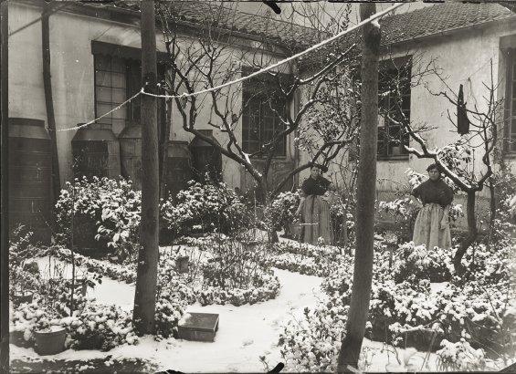 Almayso. Patio de Amaniel 29 nevado, finales del s. XIX © Fondo Almayso