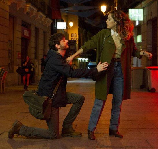 Fotograma de la película `Los miércoles no existen´ con Gorka Otxoa y María León
