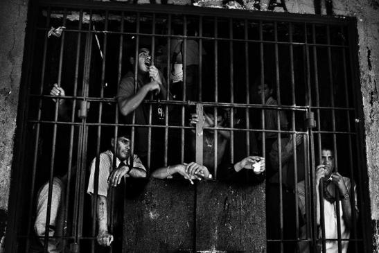 Encerrados, , fotografía de Valerio Bispuri. Exposición Mirada interior