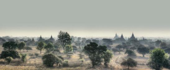 bagan_v_birmania_2014._250x117_cm