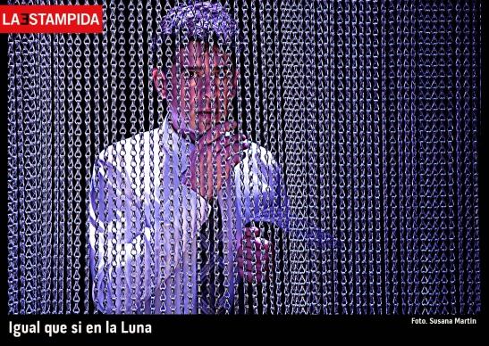 01-Igual-que-si-en-la-luna-La-Estampida-Susana-Martín